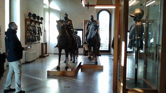 Museo delle Armi Luigi Marzoli e Museo del Risorgimento: gruppo di cavalieri e cavalli