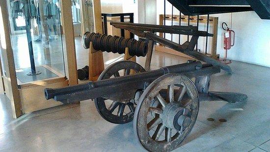 Museo delle Armi Luigi Marzoli e Museo del Risorgimento: prime armi da fuoco dell'alto medioevo