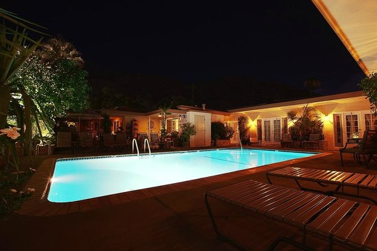 Old Ranch Inn: Poolside