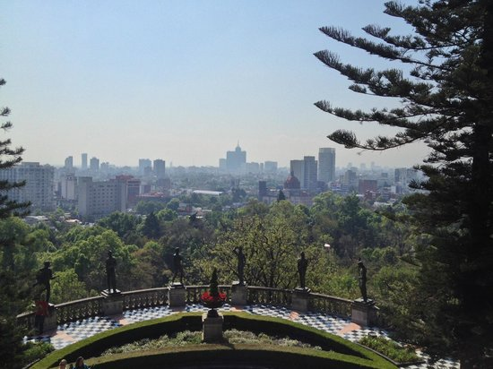 Château de Chapultepec : From the upper level of Chapultepec Castle