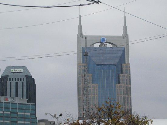 Home2 Suites by Hilton Nashville Vanderbilt: The Batman Building