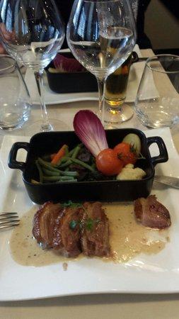 """Le Carré (Hôtel du Mouton Blanc) : Magrets de canard """"trop cuits"""" au poivre"""