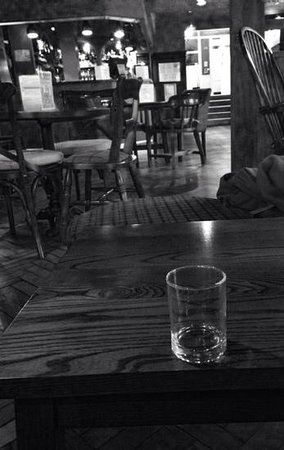 Dreadnought Hotel: A warm atmosphere awaits ! After my Glengoyne Whiskey