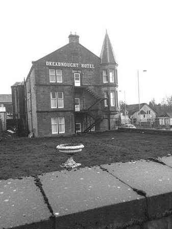 Dreadnought Hotel: outside...