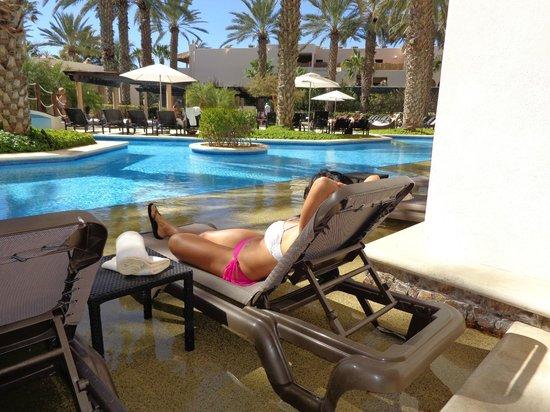 Hyatt Ziva Los Cabos: Swim up area to room
