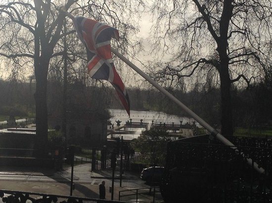 London Elizabeth Hotel : Giornata piovosa ma, vi assicuro, il panorama meritava davvero