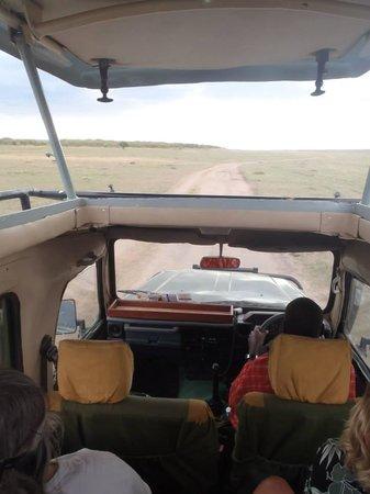 Ilkeliani Camp : Safari Vehicle at Ilkeliani