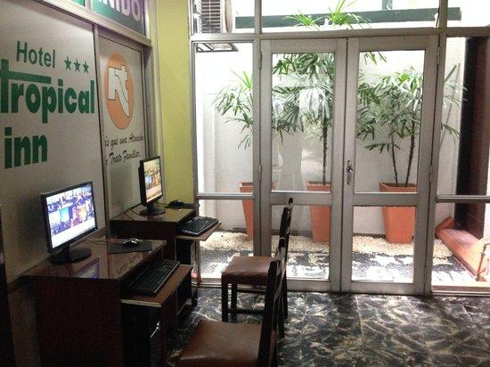 Hotel Tropical Inn: Computadoras con Internet