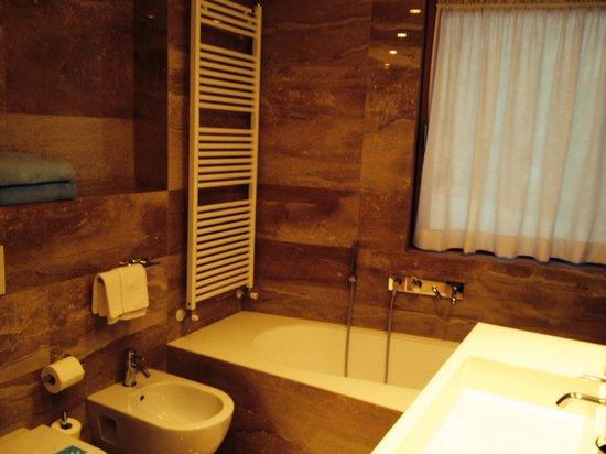Lajadira Hotel: Bagno