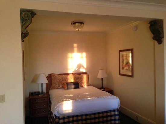 Claremont Club & Spa, A Fairmont Hotel : Bedroom Nook