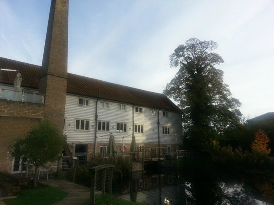 Tuddenham Mill: view of the hotel