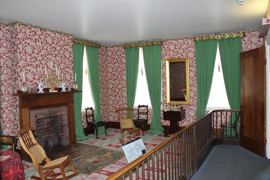 Lincoln Home National Historic Site : The Sitting Room, Lincoln Home, Springfield, IL