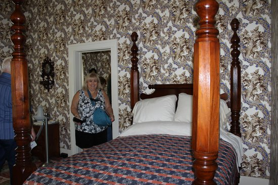 Lincoln Home National Historic Site : Abraham Lincoln's bedroom, Lincoln Home, Springfield, IL