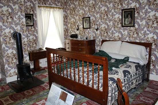 Lincoln Home National Historic Site: Mary Lincoln's Bedroom, Lincoln Home, Springfield, IL