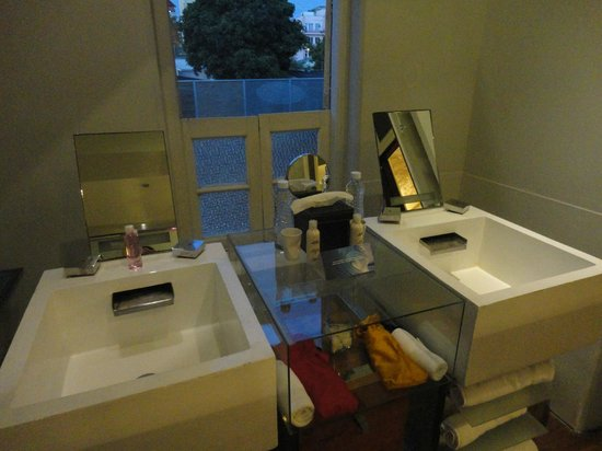 Casa Colombo: Bathroom
