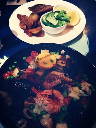 The Rising Sun Bar & Bistro: paella the best & fish and some chips with tartar sauce