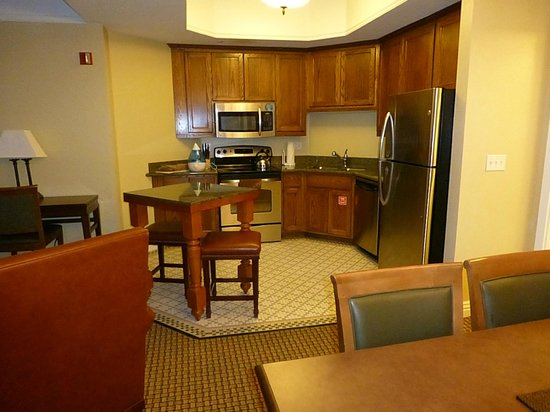 Marriott's Summit Watch: fully equipped kitchen