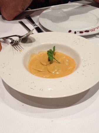 La Llardana: ravioli d foie