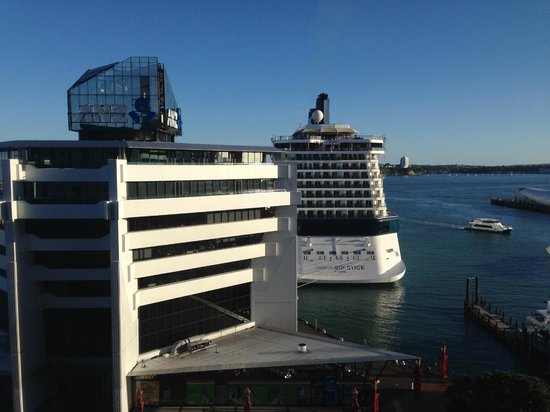 Copthorne Hotel Auckland HarbourCity: Room with a view