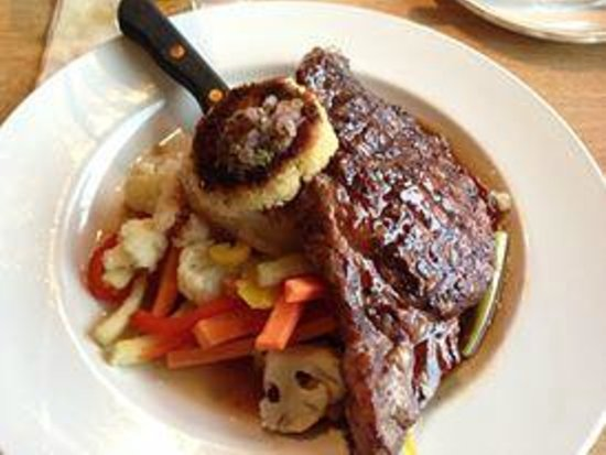 Silver's at the Wharf: Lunch special - Ribeye with crab cake and fresh veggie's