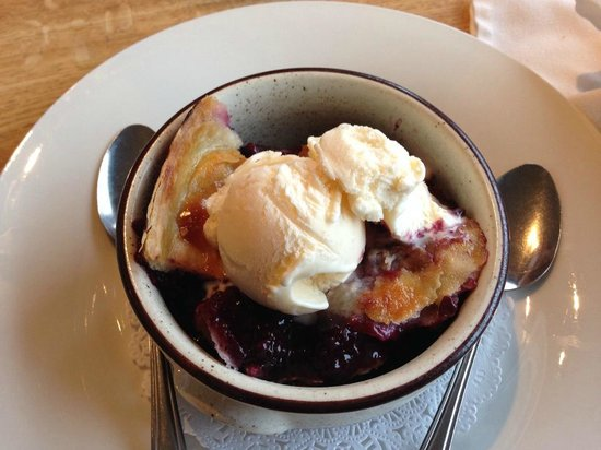 Silver's at the Wharf: Ollieberry Cobbler - highly recommended.