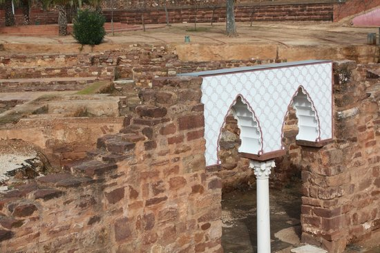 Castelo de Silves: Excavation of the Moorish area