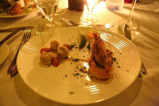 Ali Barbour's Cave Restaurant : Prawn and pasta starter
