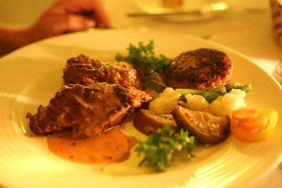 Ali Barbour's Cave Restaurant: Veal