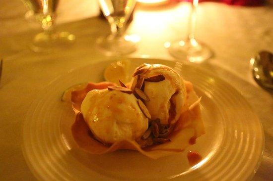 Ali Barbour's Cave Restaurant: Ice-cream Coup Barbour