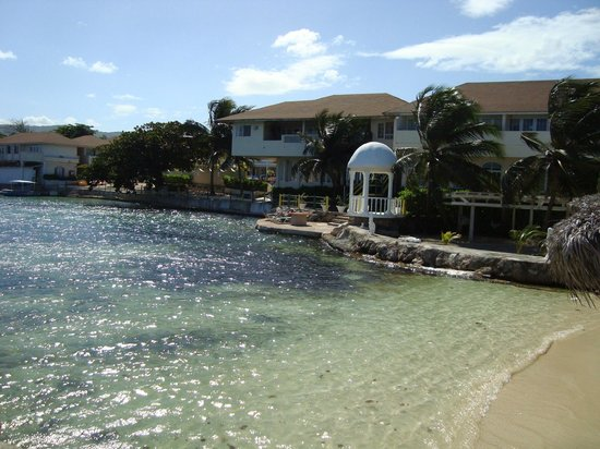 Club Ambiance: view from jetty