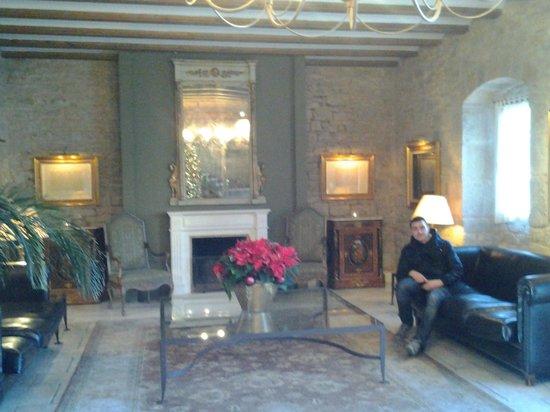 Palacio Castillo de gorraiz: recividor restaurante