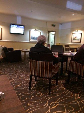 Cheltenham Regency Hotel: Bar area
