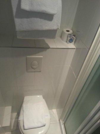 Kyriad Quimper Sud : WC
