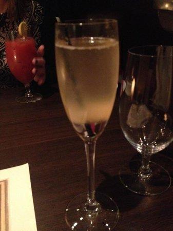 Covent Garden Grill: Bellini :)