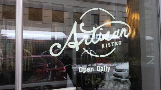 Artisan Bistro: Entrance - faces the street, no view.