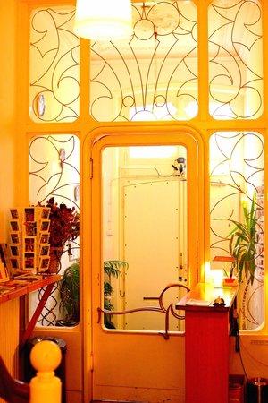 Amsterdam Hotel Parklane: puertade recepción