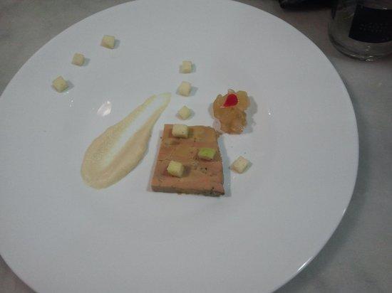 R38: terrina de foie con manzana en texturas
