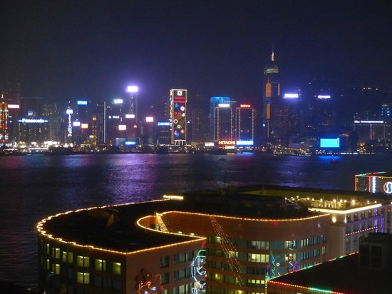 Hotel ICON: View of Victoria Harbour at Christmas