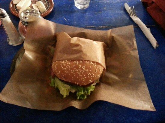 Casa Ofelia Rest-Bar: Hamburguesa de arrachera