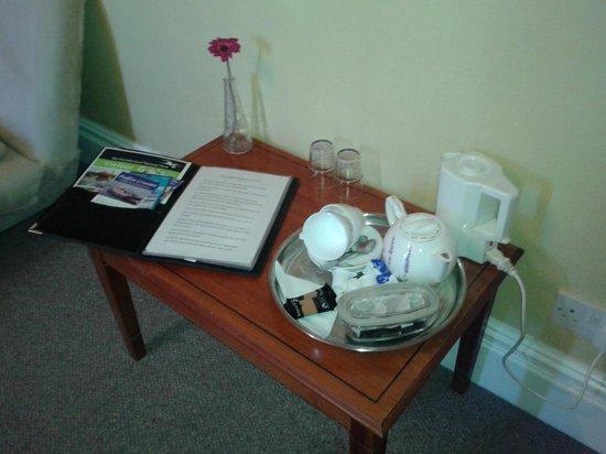 Springfield Guest House: A Proper Tea Pot