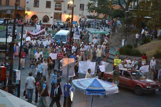 Plaza de Armas de Cuernavaca : A peaceful demonstration