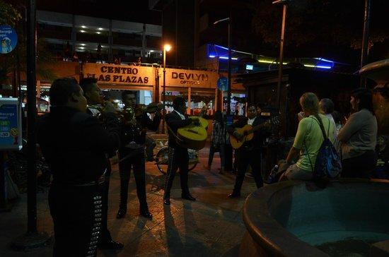 Plaza de Armas de Cuernavaca : Yeah! Mariachis!