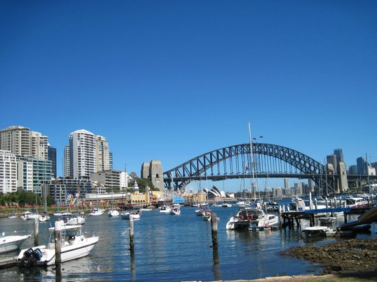 Wyndel Apartments - Harbour Watch: Lavender Bay is a short walk away