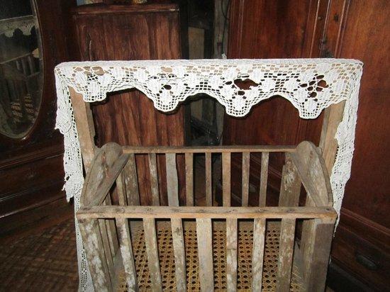 Yap Sandiego Ancestral House: Crib