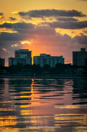 Best Western On The Bay Inn & Marina : Sunrise across Biscayne Bay (not far from the hotel)