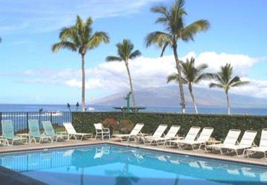 Kihei Surfside: Great heated pool