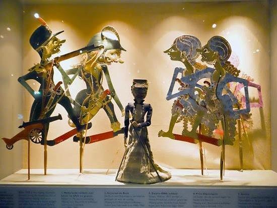 "Tropenmuseum : ""wayang"" puppets"