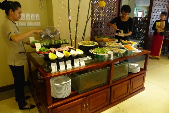 Essence Hoi An Hotel & SPA: More of  the breakfast buffet