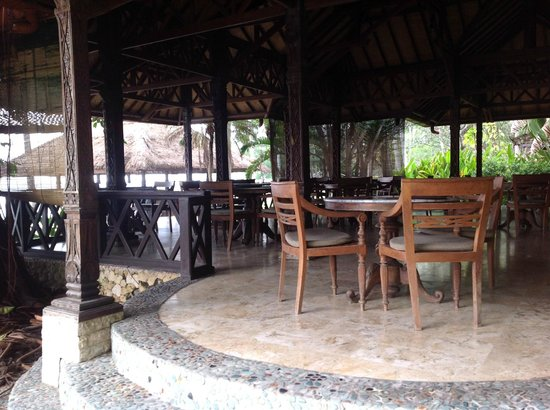 Alang-Alang Boutique Beach Hotel: Dining room