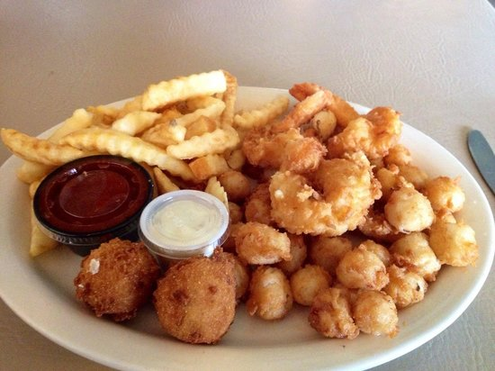 Nick's Seafood: Fried Shrimp and Scallop combo